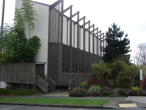 The University Unitarian Church building is an example of award-winning modernist architecture.
