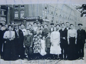 The Dutch immigrant group was photographed in Amsterdam in 1906 before their departure for Seattle.