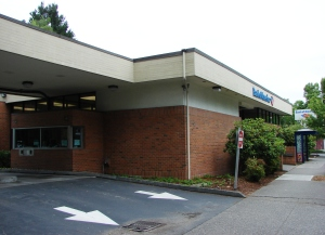 Bank of America drive-through in Wedgwood