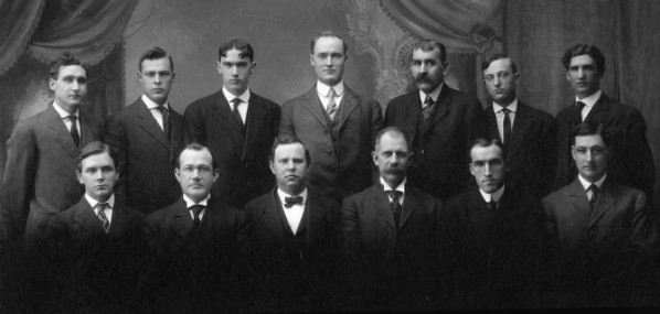 Gordon V. Skelton, front row, third from left, in 1909 with the faculty of the School of Engineering and Mechanic Arts, Oregon State University. Photo courtesy of Facilities Services Records, OSU Archives.