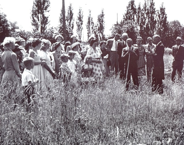 Church groundbreaking ceremony at NE 80th Street (undated photo circa 1949).