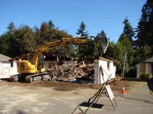 8038-35th-ave-ne-demolition-of-side-walls-september-27-2016