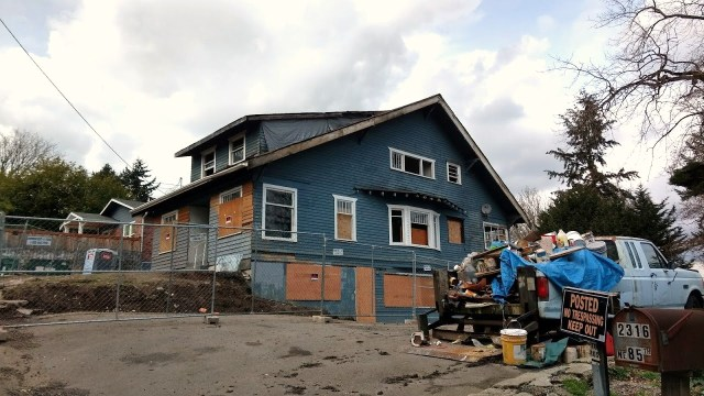 As of February 2017 the Blue House is boarded up.
