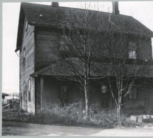 When they moved out to the remote north Queen Anne area, the Ross family had a schoolroom in their house. Photo courtesy of Seattle Public Library Historic Photos Collection.