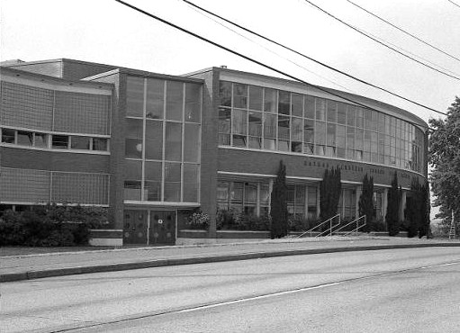 Eckstein School exterior circa 1984.Seattle Public Library Special Collections