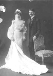 Wedding portrait of Nathan and Mina Eckstein 1902.UW Special Collections 1083.14