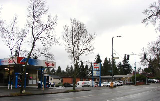 Spirit gas station and Johnson's Auto at NE 95th Street.December 2017