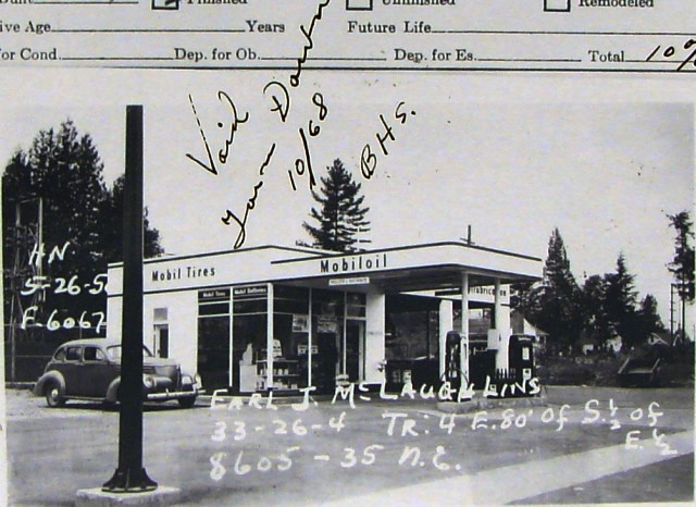 8605-35th-ave-ne-mobil-station-built-1949-torn-down-1968 Courtesy of Puget Sound Regional Archives