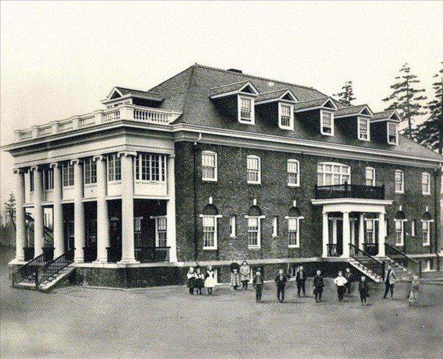 Childrens Home Brown Hall built 1908.Asahel Curtis 1909 photo in UW Special Collections #13459